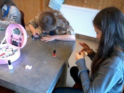 Een beautymiddag bij de gidsen! Zelf gezichtsmaskertjes maken en nagels lakken!